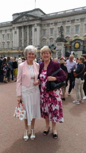 Rosie and Tricia outside Buckingham palace